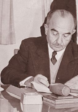 Levy Eshkol unterzeichnet die KKL-Vereinbarungen