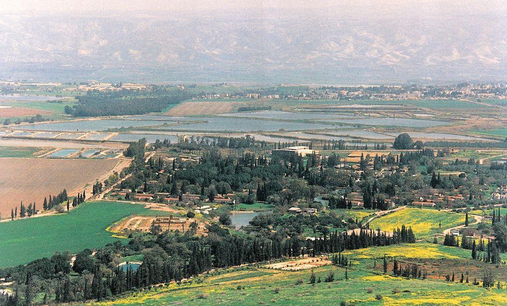 JNF-KKL unterstützt das Jezreel-Tal bei der Bewirtschaftung, hier im Jahr 1997